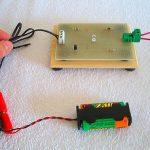 Come costruire un elettroscopio elettronico