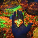 Come e perché osservare i minerali ai raggi UV