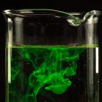 Come rendere un liquido fluorescente