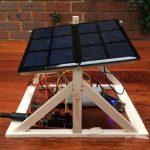 Come costruire un inseguitore solare con Arduino